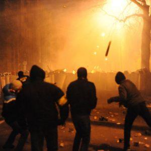 A globalização não consegue esconder as milhares de guerras movidas pelo capital contra nós: a guerra contra os pobres, contra os pretos, contra os muçulmanos, a guerra contra os mexicanos, contra os imigrantes, contra os venezuelanos, contra os índios