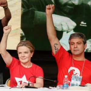 Gleisi Hoffmann e Lindberg Farias durante Congresso Nacional do PT, realizado em Brasília.