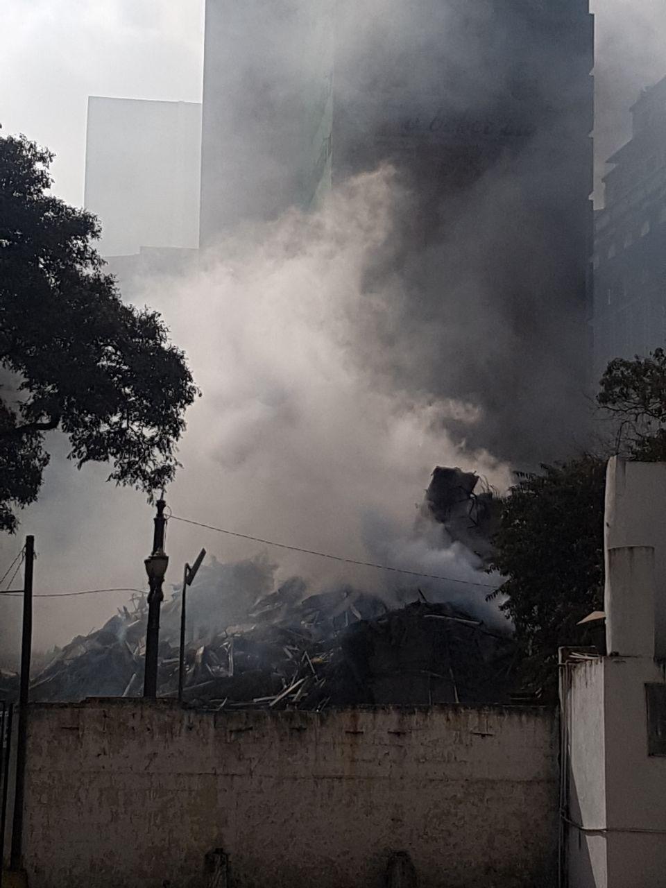 Prédio de ocupação desaba após incêndio em São Paulo