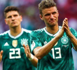 Muller chora após eliminação da Alemanha na Copa