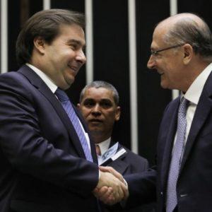 Esquerda encurralada. Rodrigo Maia e Alckmin, centrão fecha acordo com PSDB