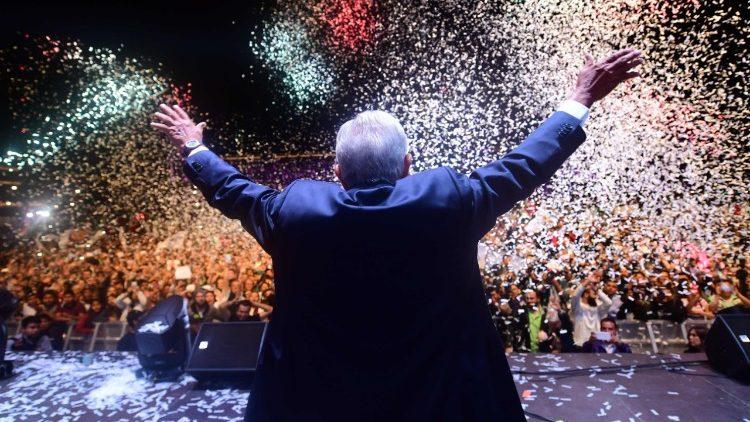 Andrés Manuel López Obrador no encerramento da campanha presidencial na Cidade do México, em 27 de junho de 2018.