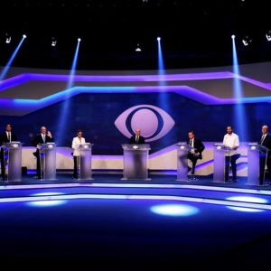 Debate da Band: Alvaro Dias do Podemos, Daciolo do Patriots, Geraldo Alckmin do PSDB, Marina Silva da REDE, o jornalista Ricardo Boechat, Jair do PSL, Guilherme Boulos do PSOL, Henrique Meirelles do MDB e Ciro Gomes do PDT.