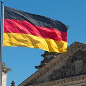 Em outras palavras, o Estado alemão vai atuar para impedir a alienação de empresas estratégicas que se encontram na mira do capital estrangeiro. Na mira do governo estão companhias como Thyssenkrupp, Siemens, e empresas automobilísticas alemãs.