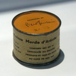 """Imagem da obra de arte """"Merda D'artista"""" de Piero Manzoni"""