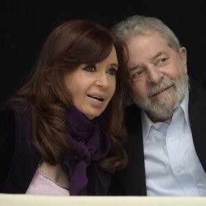 Cristina Kirchner sabia que se fosse candidata a presidente, sua chapa seria impugnada e aumentaria a pressão dos golpistas argentinos por sua prisão. Para salvar seu país de outro mandato desastroso de Macri, ela colocou em segundo lugar tanto a sua vaidade quanto o hegemonismo de seu grupo político.