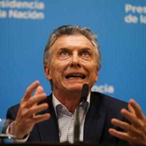 Em três anos, a economia argentina caiu 2,3%, com duas recessões no meio. No primeiro trimestre deste ano, o resultado catastrófico do neoliberalismo quando aplicado por longo período aparece em toda sua devastação: -5,8% do PIB. Isso mesmo. -5,8%.