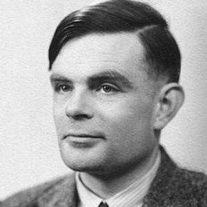 """Turing foi um dos personagens centrais do século XX. Matemático de formação, decifrou os indecifráveis códigos alemães durante a Batalha do Atlântico, salvando a Inglaterra. Para isso, construiu a primeira """"máquina universal"""", ou """"máquina de Turing"""", hoje conhecida como computador. Eu não sabia que, além disso, o jovem Turing havia dado contribuições muito importantes em lógica matemática, trabalhando com Kurt Gödel em Princeton."""