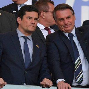 Pego de surpresa pela Lava Toga, fraco no governo, mas com muita força popular, Moro está dedilhando seu alaúde nos muros da cidade. É cada vez mais candidato. Tem calibre para enfraquecer Bolsonaro e embaralhar o jogo na oposição.