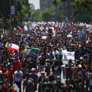 protestos pelo mundo e a crise do neoliberalismo