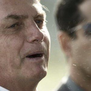 Bolsonaro mira juízo final Foto: Joedson Alves, Agência EFE