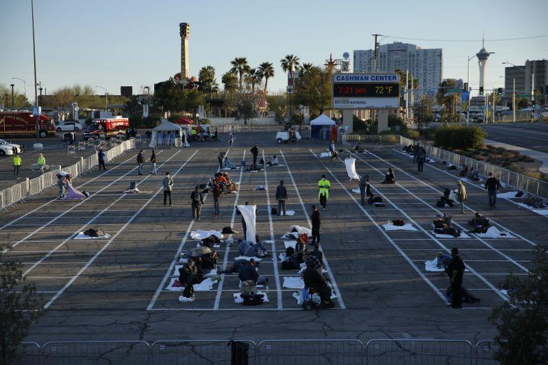 Coronavírus Las Vegas usa estacionamento como abrigo para moradores de rua. Foto: AP Photo/John Locher
