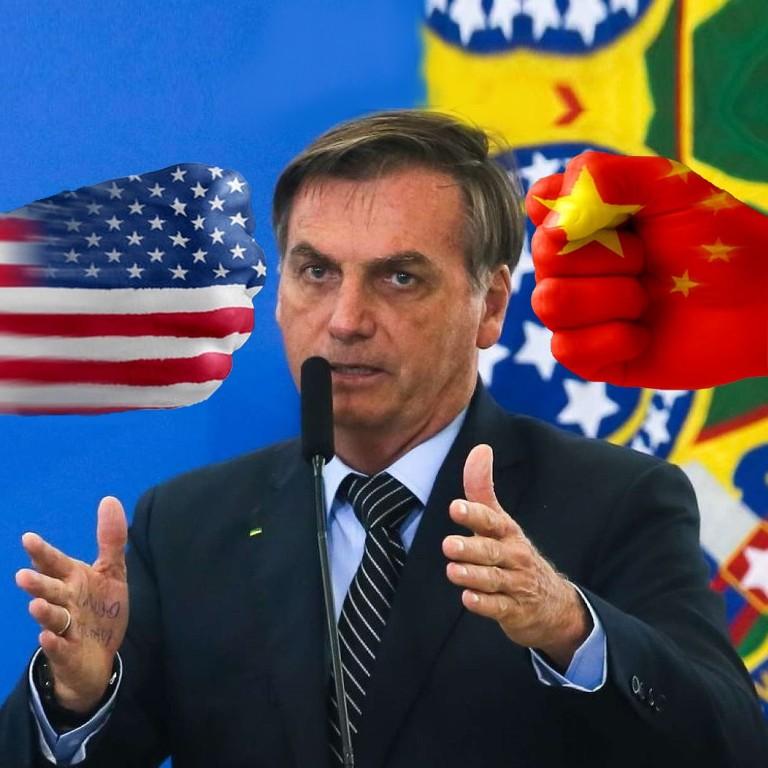 """De acordo com Bolton: """"É bom que as relações pessoais entre os líderes sejam positivas. Mas os países buscam seu próprio interesse nacional. O presidente Bolsonaro, olhando para a eleição em novembro,"""