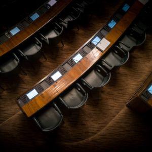 Mais uma semana com escândalos envolvendo assessores parlamentares no Brasil. Mas o essencial é invisível aos olhos: você já parou para se perguntar por que existe tanto escândalo envolvendo assessor político?