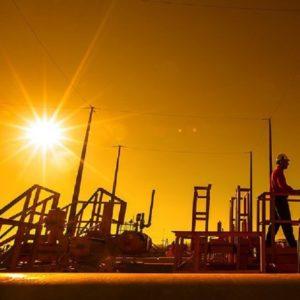 Pela Associação dos Engenheiros da Petrobrás (AEPET) - Em 22 de setembro de 2016, o Conselho de Administração da Petrobrás aprovou a venda de 90% das ações da subsidiária integral Nova Transportadora do Sudeste (NTS), após reestruturação societária prevista para que a NTS concentre ativos de transporte do Sudeste (Rio de Janeiro, Minas Gerais e São Paulo), para a Brookfield Infrastructure Partners (BIP) e suas afiliadas, através de um Fundo de Investimento em Participações (FIP), cujos demais cotistas são British Columbia Investment Management Corporation (BCIMC), CIC Capital Corporation (subsidiária integral da China Investment Corporation - CIC) e GIC Private Limited (GIC).