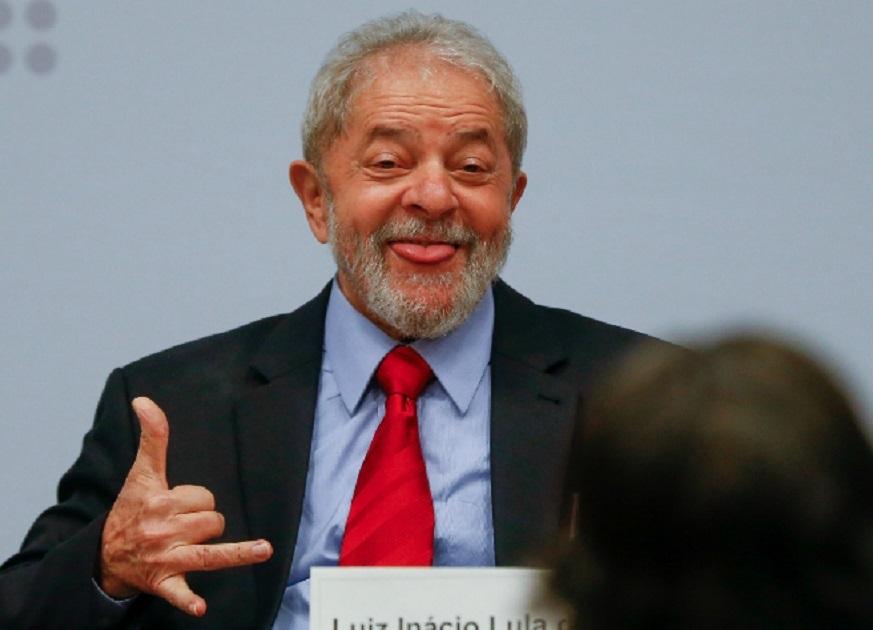 No dia da votação, quando já está claro o desastre eleitoral do PT em São Paulo, Lula abandonou o candidato petista Jilmar Tatto e responsabilizou a presidente do partido Gleisi Hoffmann por deixar o partido rolar ladeira abaixo: