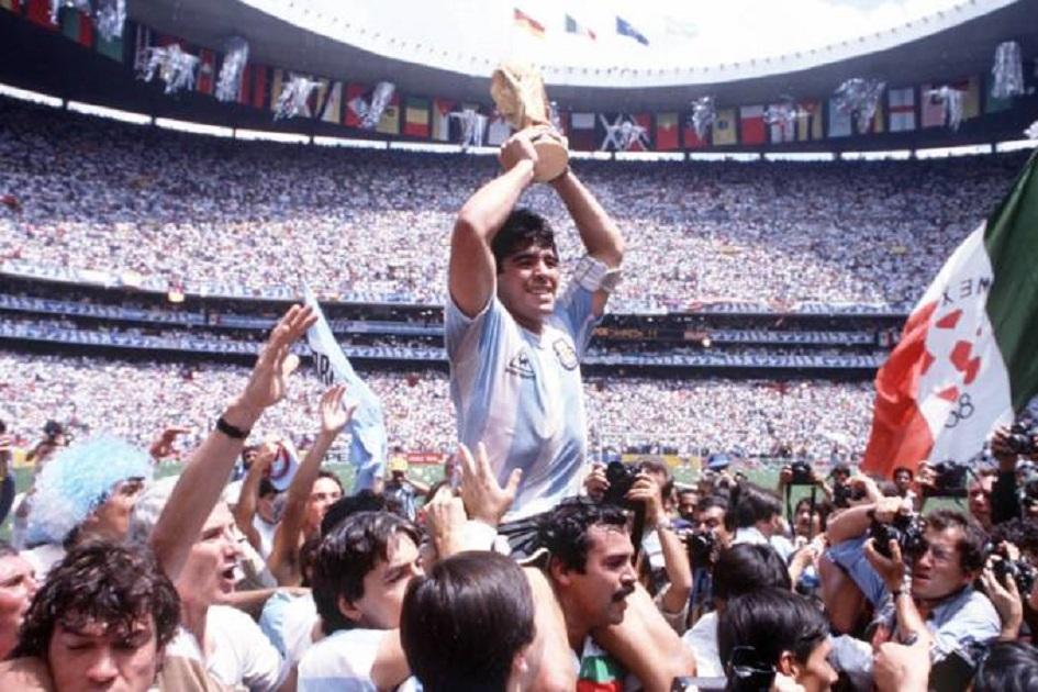 Maradona foi um gênio em campo e nunca deixou de se posicionar, nunca foi em cima do muro. E nenhum problema extra-campo vai apagar nada disso.