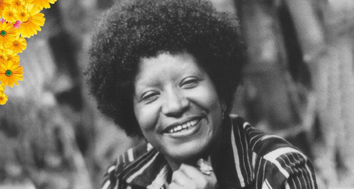 Da mesma forma que Angela Davis apontou a contradição de raça, classe e gênero nos Estados Unidos desde a colonização, Lélia Gonzalez apresentou muitos trabalhos e artigos a respeito da formação da identidade nacional brasileira com a centralidade dos negros, em especial, das mulheres negras.